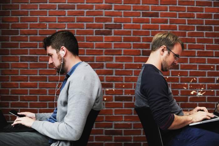 SIer業界とWeb業界とは?両者の違いを解説