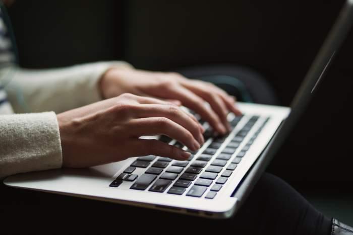 初心者におすすめの副業しやすいプログラミング言語