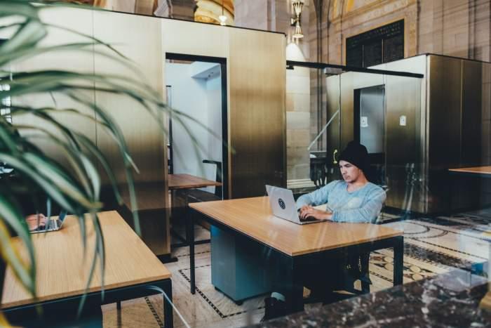 インフラエンジニアの仕事とは?ITインフラの設計、構築、運用、保守の4つがメイン