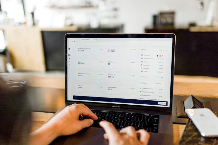 Web制作の副業案件と月収相場